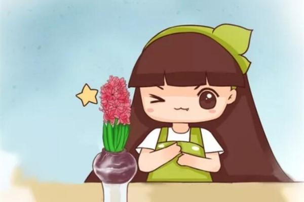 秋冬把它扔水里,不用施肥就开花,比绿萝还好养!