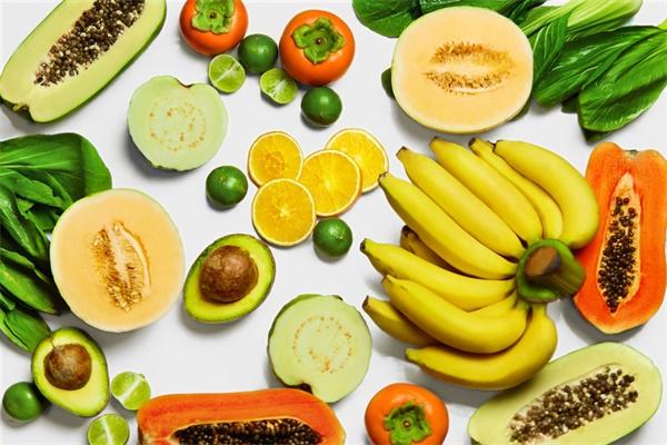 吃完水果吐出核,丢土里7天长成小森林,比绿萝还好看!